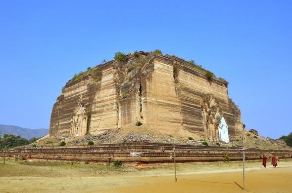 pagode de mingun.jpg