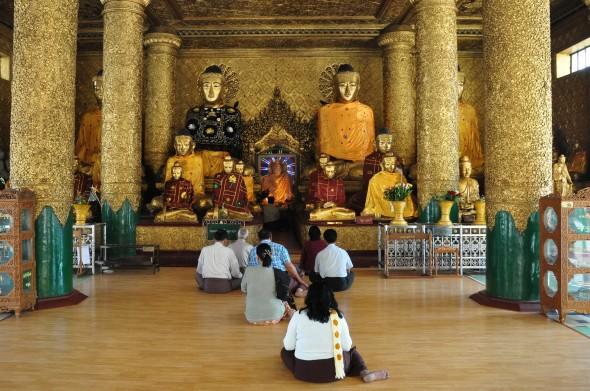 shwedagon 18.jpg
