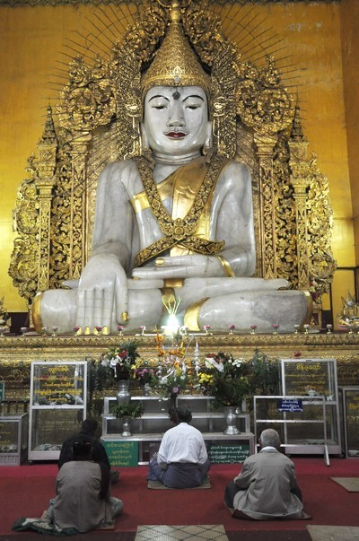 bouddha Kyauktawgyi.jpg