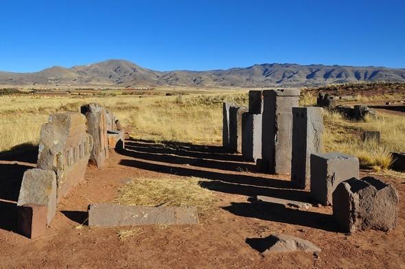 tiahuanaco tiwanaku 72 puma punku.jpg