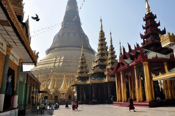 shwedagon 11.jpg